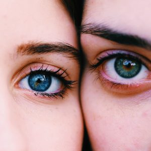 yeux-femmes-bleu-vert